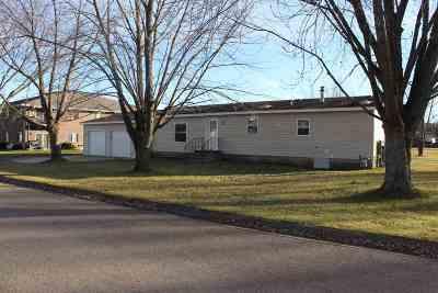 Lena Single Family Home For Sale: 519 Harley