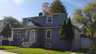 Appleton Single Family Home For Sale: 1109 N Clark
