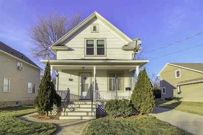 Neenah Single Family Home For Sale: 510 Lincoln
