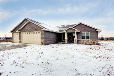 Appleton Single Family Home For Sale: 2712 Fallen Oak