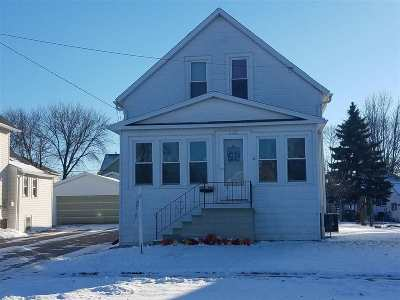 Oshkosh Single Family Home For Sale: 1137 Buchanan