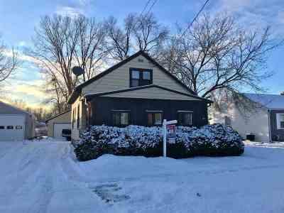 Kaukauna Single Family Home Active-No Offer: 624 Lincoln
