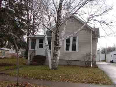 Oshkosh Single Family Home For Sale: 305 Fulton