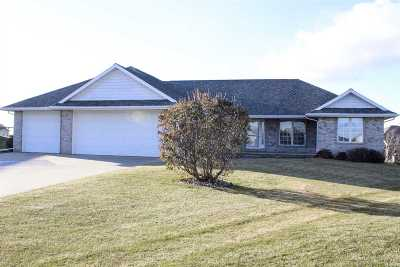 Kaukauna Single Family Home For Sale: 2220 Southerland