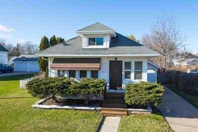Oshkosh Single Family Home For Sale: 1551 Harrison