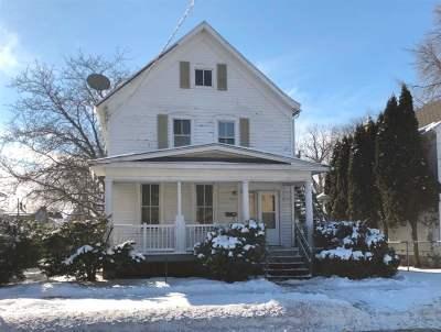 Oshkosh Multi Family Home For Sale: 629 Otter