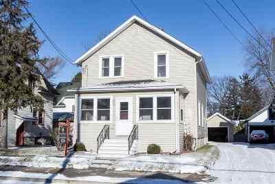 Oshkosh Single Family Home For Sale: 908 E Parkway