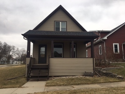 Kaukauna Single Family Home For Sale: 124 W 9th