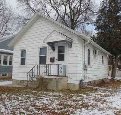 Single Family Home For Sale: 878 Division