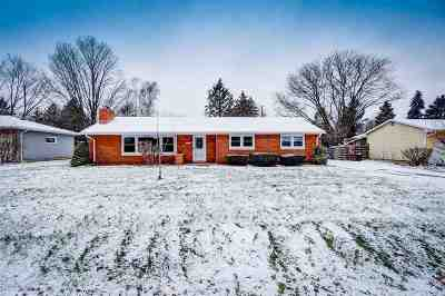 Appleton Single Family Home For Sale: 2545 Teakwood