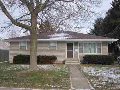 Appleton Single Family Home For Sale: 720 E Calumet