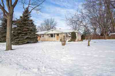 Green Bay Single Family Home For Sale: 2597 Sherry