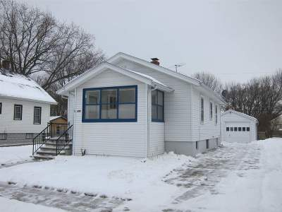 Green Bay Single Family Home For Sale: 609 Columbia