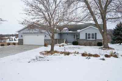 Sherwood WI Single Family Home For Sale: $218,000