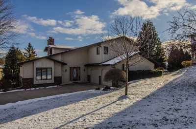 Kaukauna Single Family Home Active-No Offer: 409 Pheasant Run