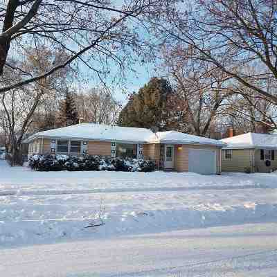 Green Bay Single Family Home For Sale: 2066 Richmond