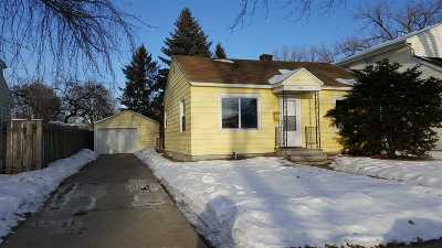 Green Bay Single Family Home For Sale: 1369 Weise