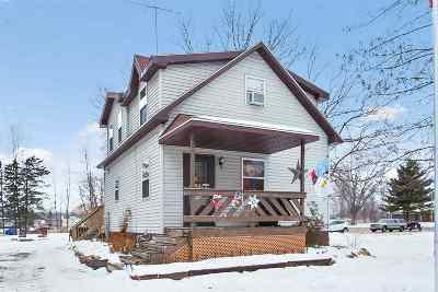 Little Suamico Single Family Home For Sale: 1227 Hwy J