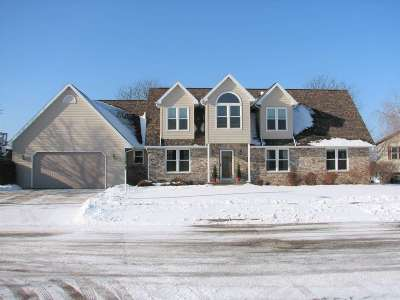 Kaukauna Single Family Home Active-Offer No Bump: 2717 Southbreeze