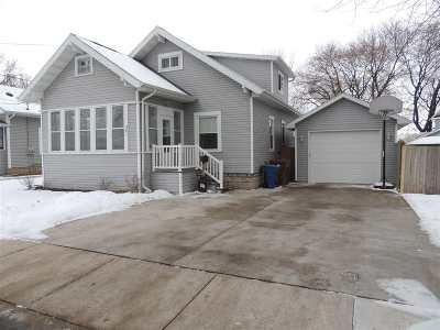 Menasha Single Family Home For Sale: 381 Pine