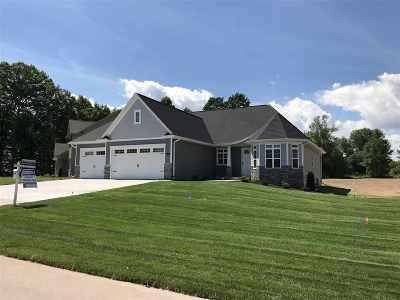 Menasha Single Family Home Active-No Offer: 2822 Villa