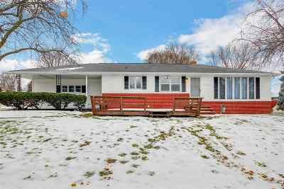 Green Bay Single Family Home For Sale: 2128 Oakdale