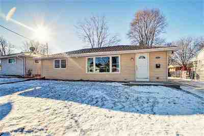 Green Bay Single Family Home For Sale: 1527 Western