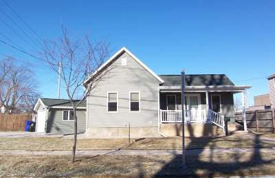 Appleton Single Family Home For Sale: 836 W 8th