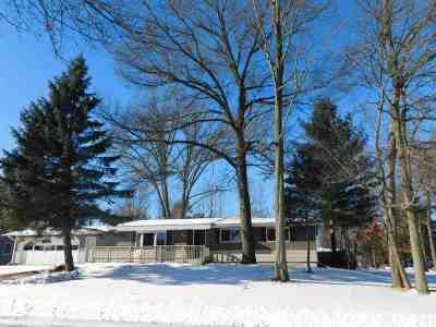 Shawano Single Family Home For Sale: 917 S Park