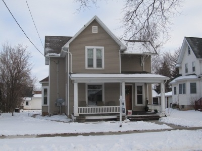 Kaukauna WI Single Family Home Active-Offer No Bump: $129,750