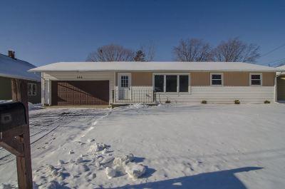 Green Bay Single Family Home For Sale: 496 Wayfarer