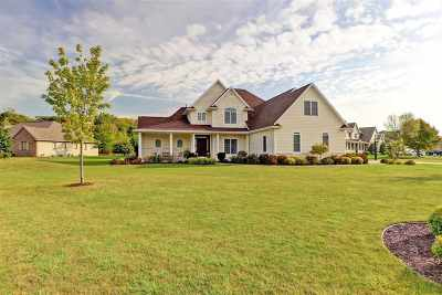 Menasha Single Family Home Active-Offer No Bump: W5860 Turnberry
