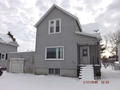 Marinette Single Family Home For Sale: 523 Terrace