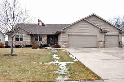 Kaukauna Single Family Home Active-Offer No Bump: 3123 Shady Ridge