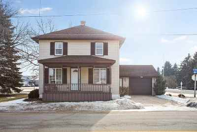 Luxemburg Single Family Home For Sale: 607 Church