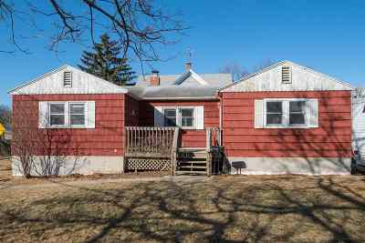Neenah Single Family Home Active-No Offer: 118 Olive