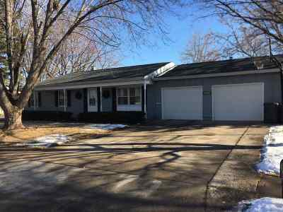 Winneconne Single Family Home Active-Offer No Bump: 213 N 9th
