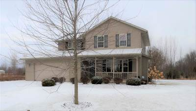 Little Suamico Single Family Home Active-Offer No Bump: 5208 Twilight