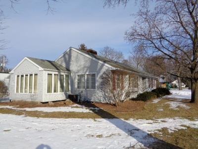Pulaski WI Single Family Home Active-Offer No Bump: $189,000