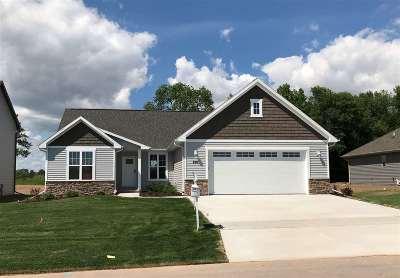Menasha Single Family Home Active-No Offer: 2912 Villa