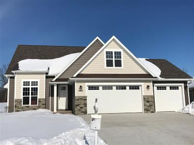Menasha Single Family Home Active-Offer No Bump: 2830 Villa