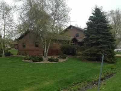 Oshkosh Single Family Home Active-No Offer: 2777 Edgewood