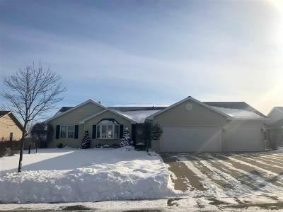 Combined Locks Single Family Home For Sale: 124 Kayla