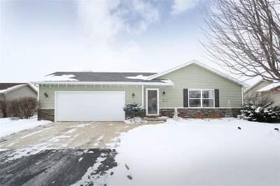 Menasha Single Family Home Active-Offer No Bump: 1142 Morgan Taylor