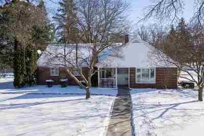 Appleton WI Single Family Home For Sale: $195,000