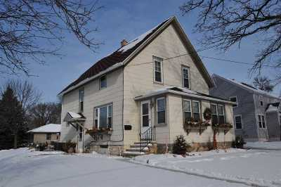 Kaukauna Single Family Home Active-Offer No Bump: 1401 Green Bay
