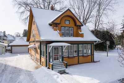 New London WI Single Family Home Active-Offer No Bump: $187,900