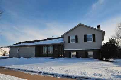 Little Chute WI Single Family Home Active-Offer W/Bump: $189,900