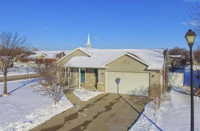 Neenah Single Family Home For Sale: 2502 Bruce