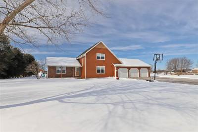 Kaukauna Single Family Home Active-Offer No Bump: N2049 Farm View
